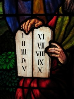 commandments law love1 Why Religion Is Not About Being Good